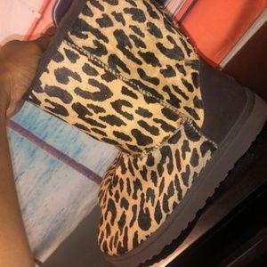 Cheetah Uggs (real)